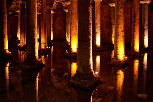 """C wie """"Cisterna"""" Basilica in Istanbul"""