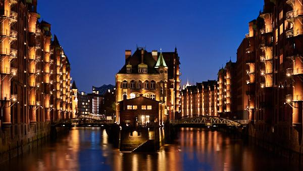 N wie Nachts in der Speicherstadt (Hamburg)