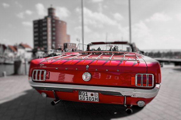 O wie Oldtimer (Ford Mustang Convertible am Eckernförder Hafen)