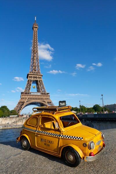 Taxi zum Eifelturm, Paris, Frankreich
