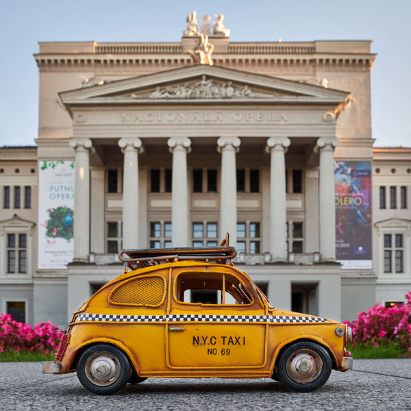 Taxi zur lettischen Nationaloper, Riga, Lettland