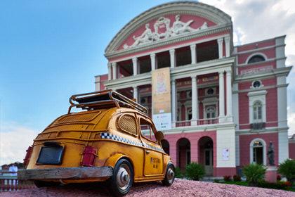 "Taxi zum ""Teatro Amazonas"", Manaus, Brasilien"