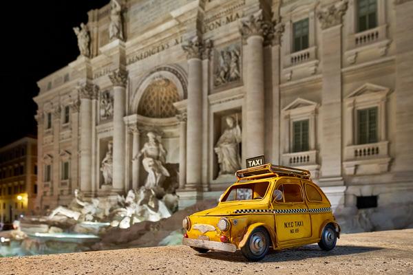 Taxi zum Trevi-Brunnen, Rom, Italien