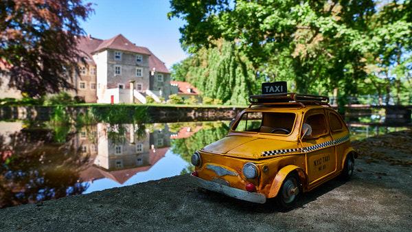Taxi zum Wasserschloss Mellenthin, Usedom, Deutschland