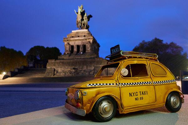 Taxi zum Deutschen Eck, Koblenz, Deutschland