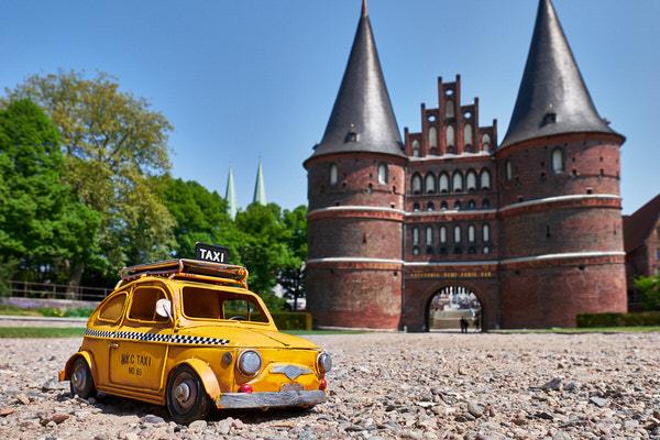 Taxi zum Holstentor, Lübeck, Deutschland