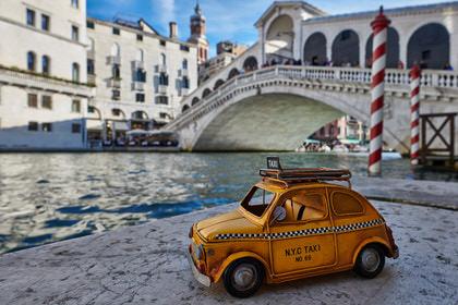 Taxi zur Rialto-Brücke, Venedig, Italien